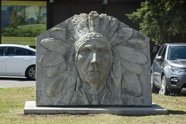 Statue in Banff