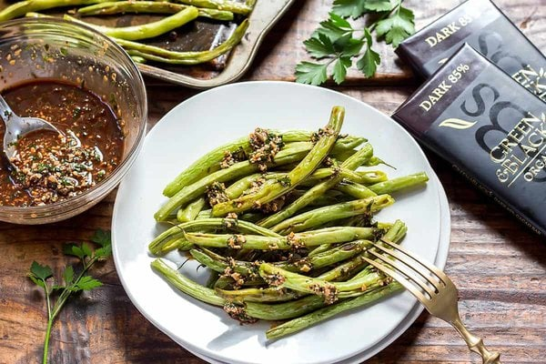 Green Beans with Picada Sauce