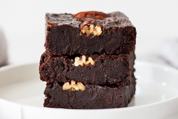 3 fudgy coconut flour brownies