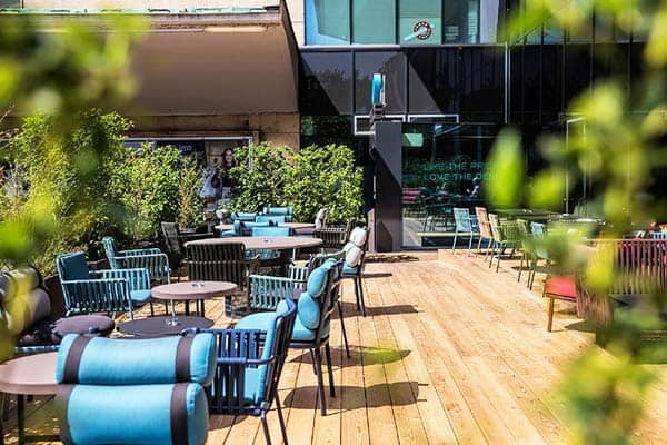 Enjoy the outdoors while you have your meal or drink at Motel One Wein Westbahnhof