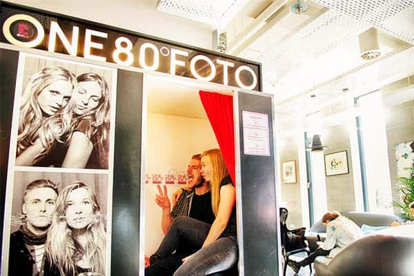 Have a souvenir photo at One80° Hostel before you leave Berlin