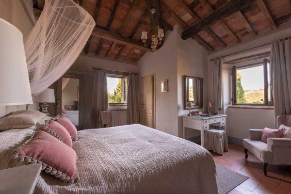 La Padronale - Interior - la-buia_update_225hdr - Bedroom 2 Ensuite Large 1