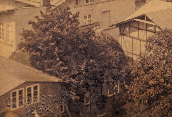 The cottage with the traditional thatched roof ... 1893, © City Archives and City Library Sassnitz