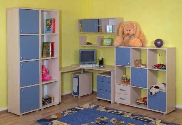 Детский уголок стол и шкафы ДМ8