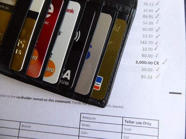 What bank is best to use in Canada for money transfers. Working holiday in Canada.