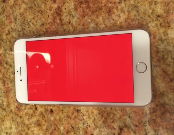 iPhone red screen
