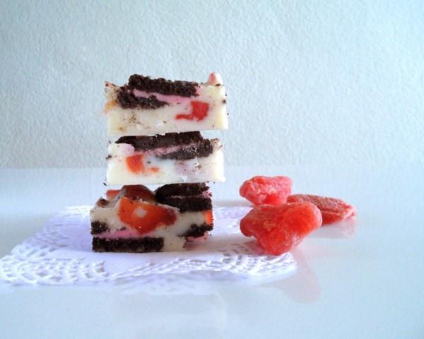 White Chocolate Oreo Fridge Cake