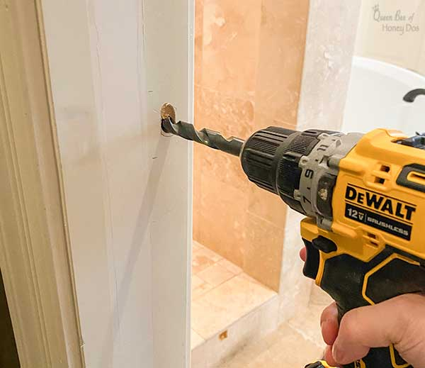 installing doorknob