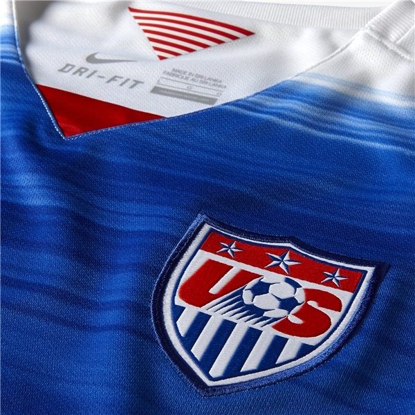 usa-soccer-jersey-away-closeup