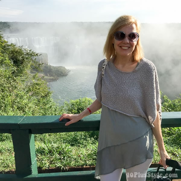 Sleeveless layering and asymmetrical top outfit idea in Brazil   40plusstyle.com