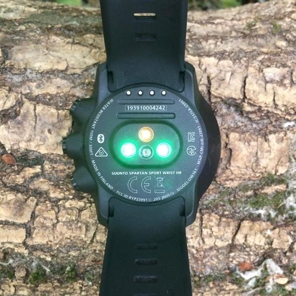 Фотоплетизмографический пульсометр в Suunto Spartan Sport Wrist HR