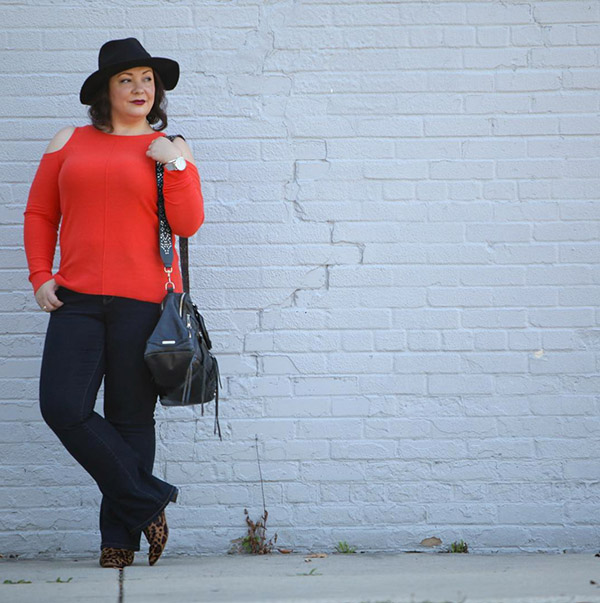 #40plusstyle inspiration: black with a pop of red | 40plusstyle.com