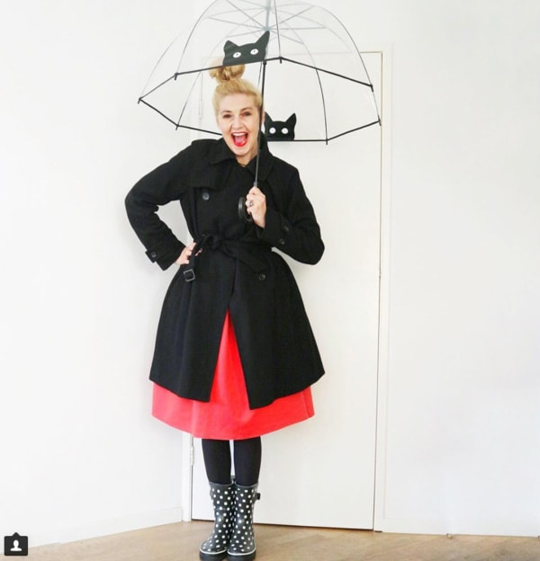 #40plusstyle inspiration: skirt with trench coat | 40plusstyle.com