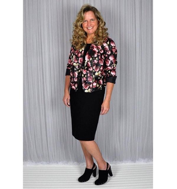 #40plusstyle inspiration: black pencil skirt   40plusstyle.com