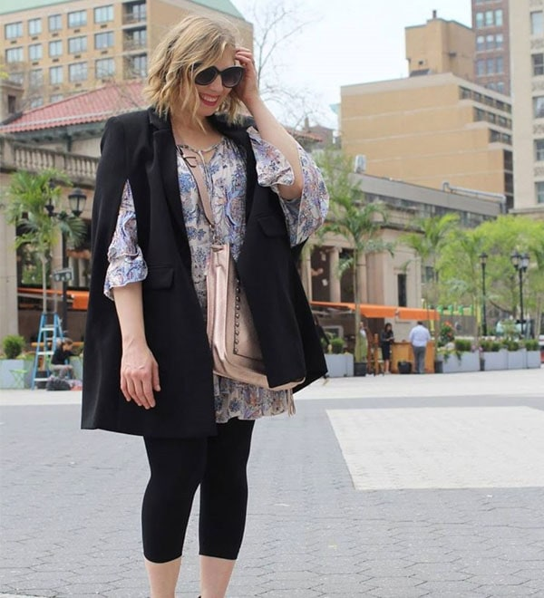 Ideas on how to wear sunglasses with florals | 40plusstyle.com