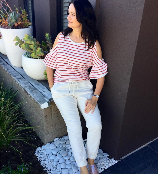 cold shoulders with white pants | 40plusstyle.com