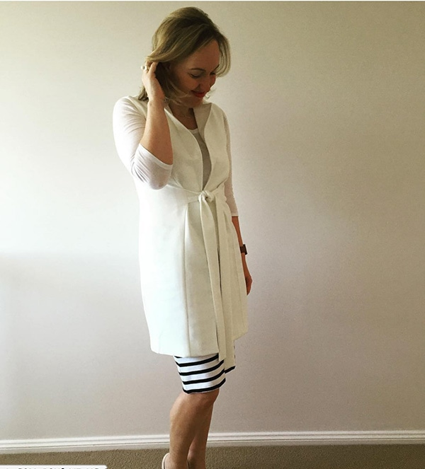 #40plusstyle inspiration: Long white vest and black striped skirt | 40plusstyle.com