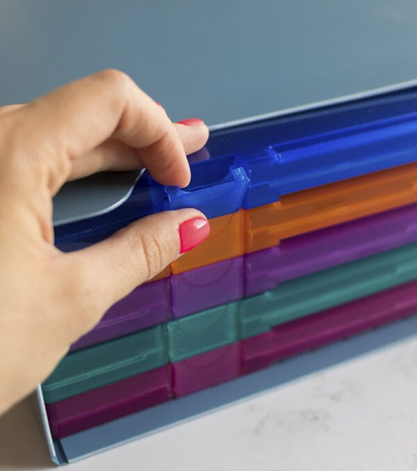 cajas-para-sellos-artesanales-cierre-materiales-carvado-sellos-ana-sola
