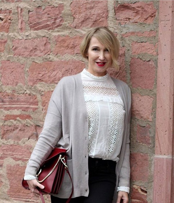 #40plusstyle inspiration: Monochromatic black and white outfit | 40plusstyle.com