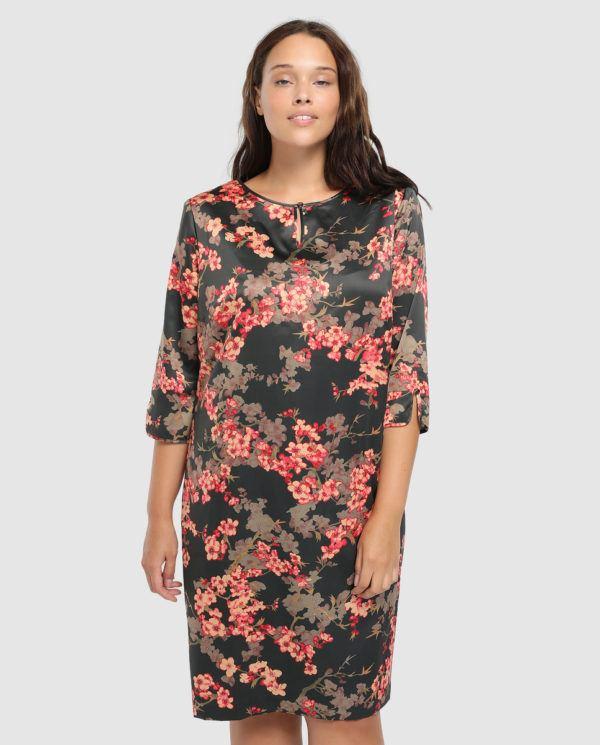 c5001614393 Finalizamos vestidos de fiesta para tallas grandes Primavera Verano 2019  con una sorprendente apuesta: el encaje. Sí, un precioso diseño de Couchel  que te ...
