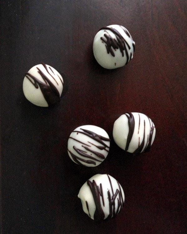 White Chocolate Truffles with Chocolate