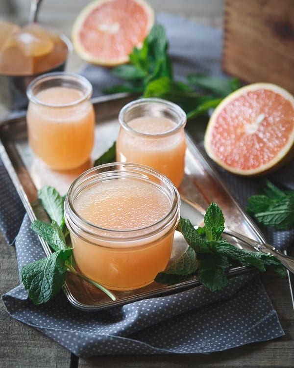 This sparkling grapefruit jello is a bubbly and super refreshing treat that proves making your own jello is incredibly easy. Bonus: you control the sweetness!