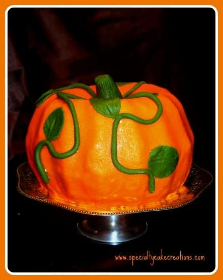 Pumpkin-shaped Cake