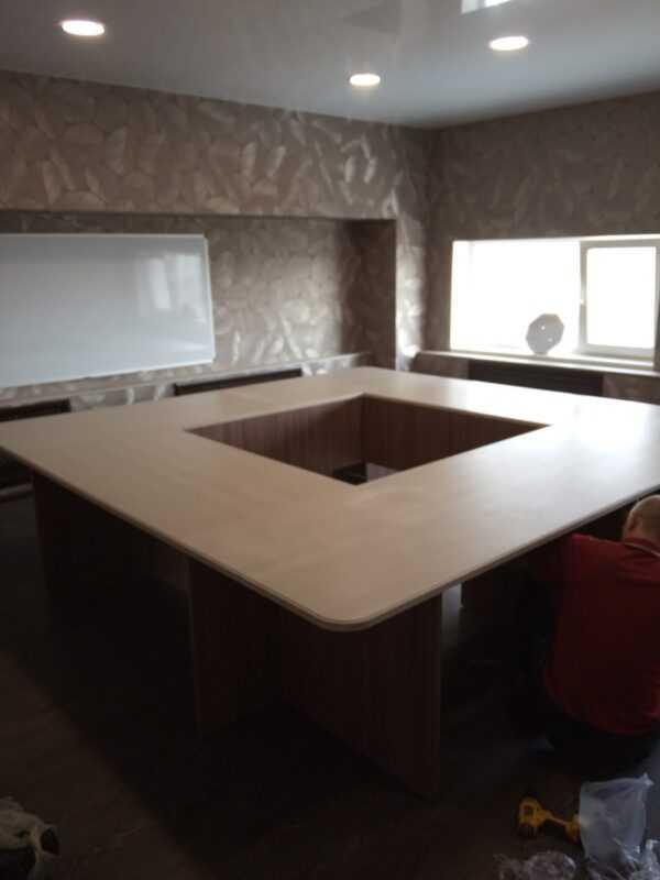 Стол офисный для переговоров
