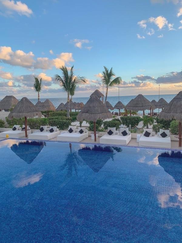 playa mujeres beloved resort pool
