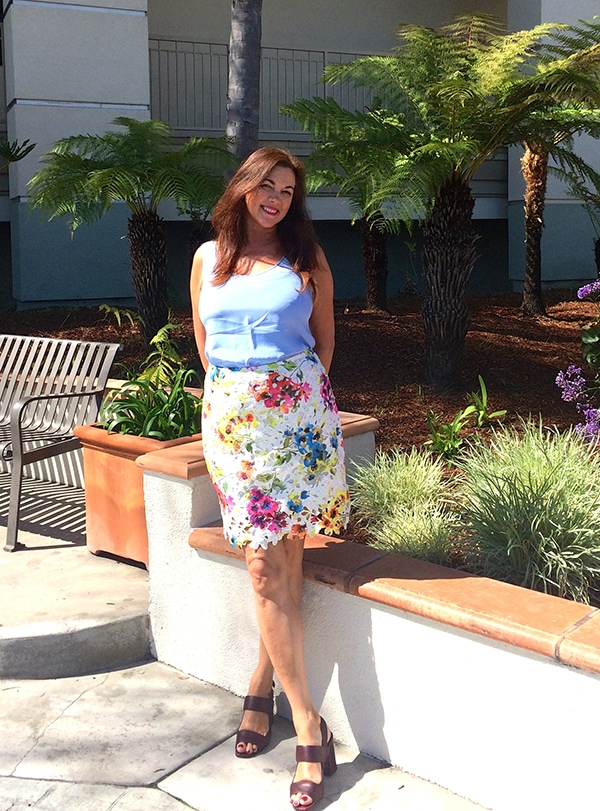 Floral pencil skirt outfit | 40plusstyle.com