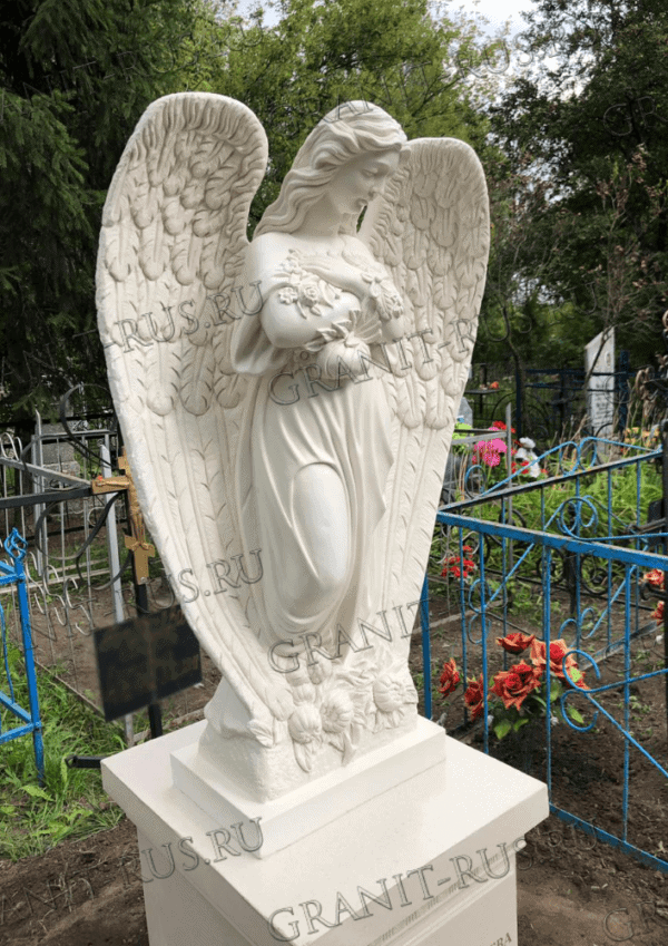 Скульптура на кладбище дешевле мрамора