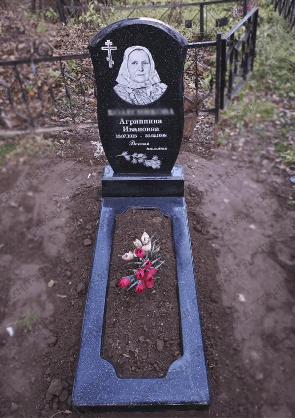 цветник на могилу из литьевого мрамора