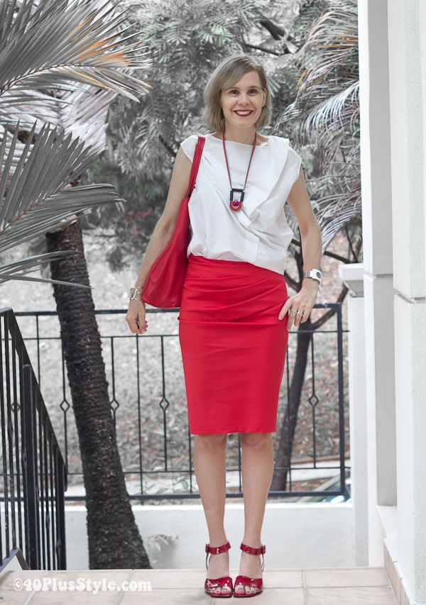 How to wear red with white - donna karen red skirt | 40plusstyle.com