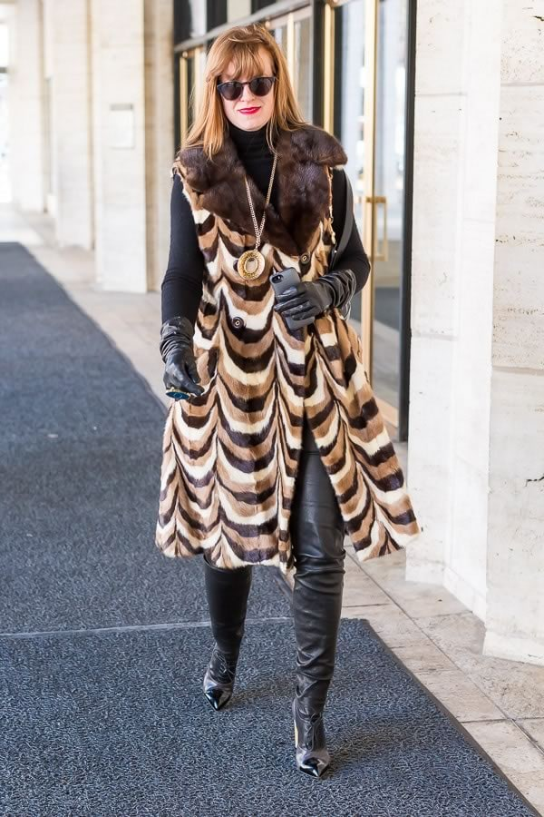 11 best streetstyle looks by women over 40 featuring prints | 40PlusStyle.com