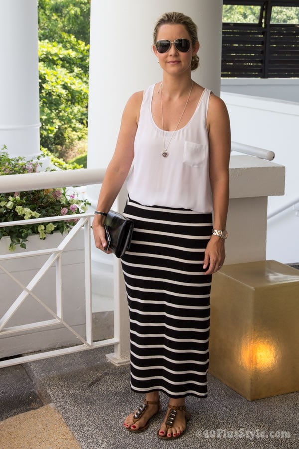 stylish in black and white | 40plusstyle.com