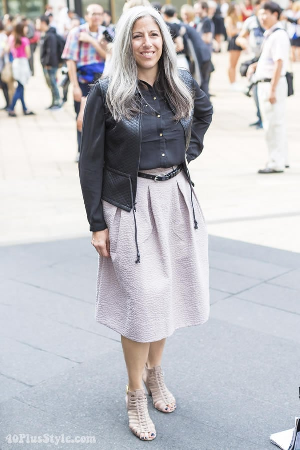 Wearing a pastel skirt with black | 40plusstyle.com