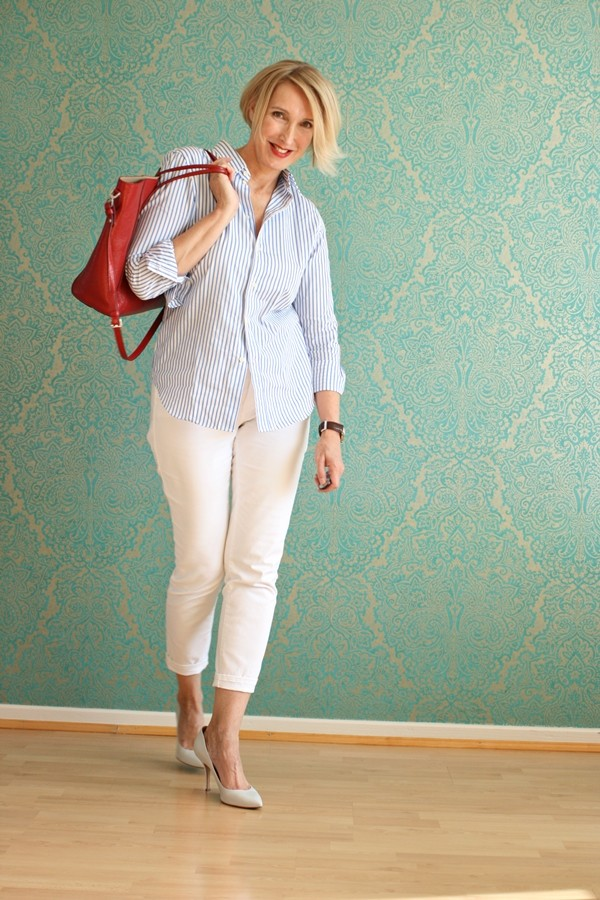 Style-interview-Claudia_glamupyourlifestyle Ralph-Lauren-Bluse weiße-Pumps weiße-Hose