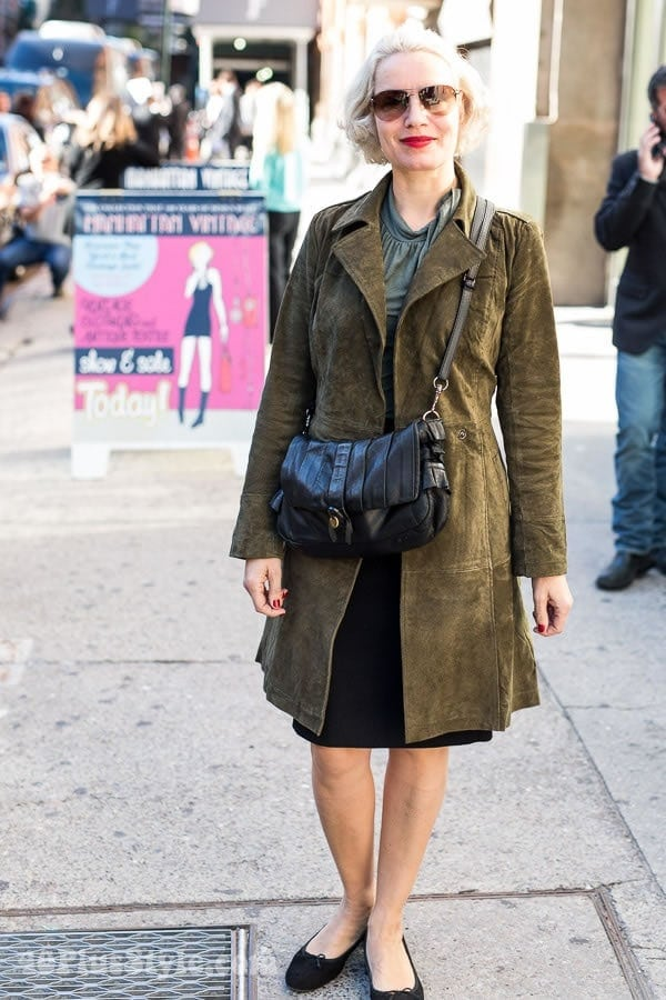 The Best Neutral Looks Spotted At The Manhattan Vintage Show | 40plusstyle.com