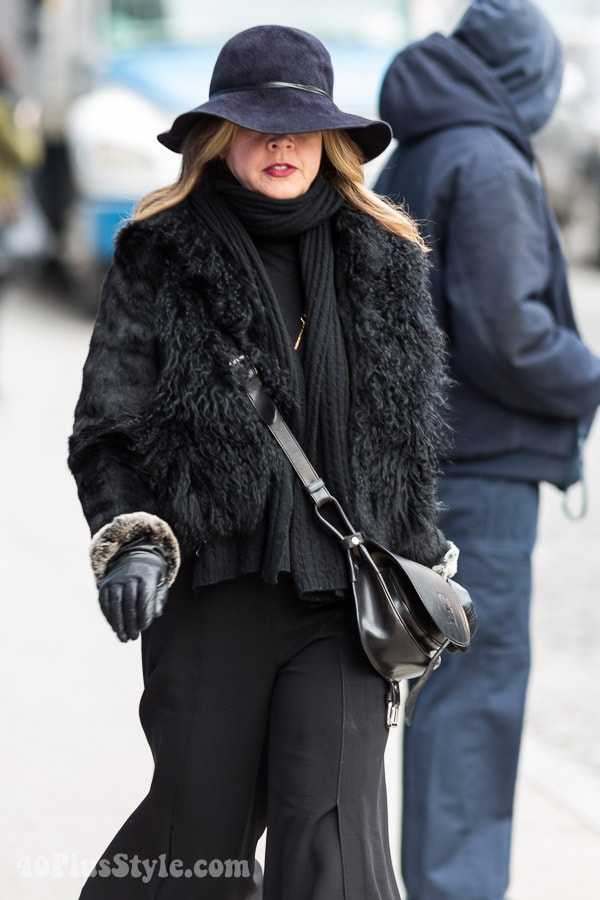 All black winter outfit: ideas on how to layer clothes | 40plusstyle.com
