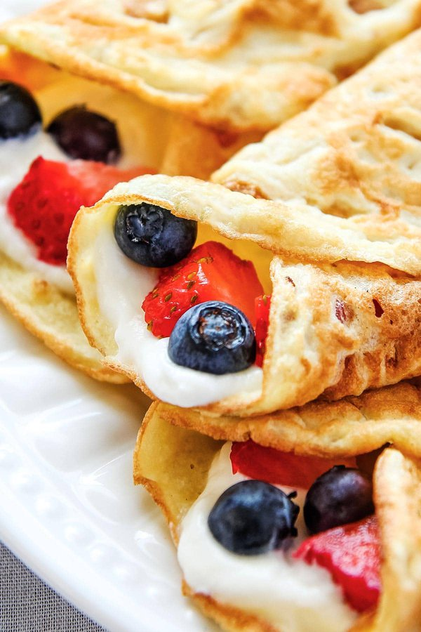 Rolled Crepes with Berries