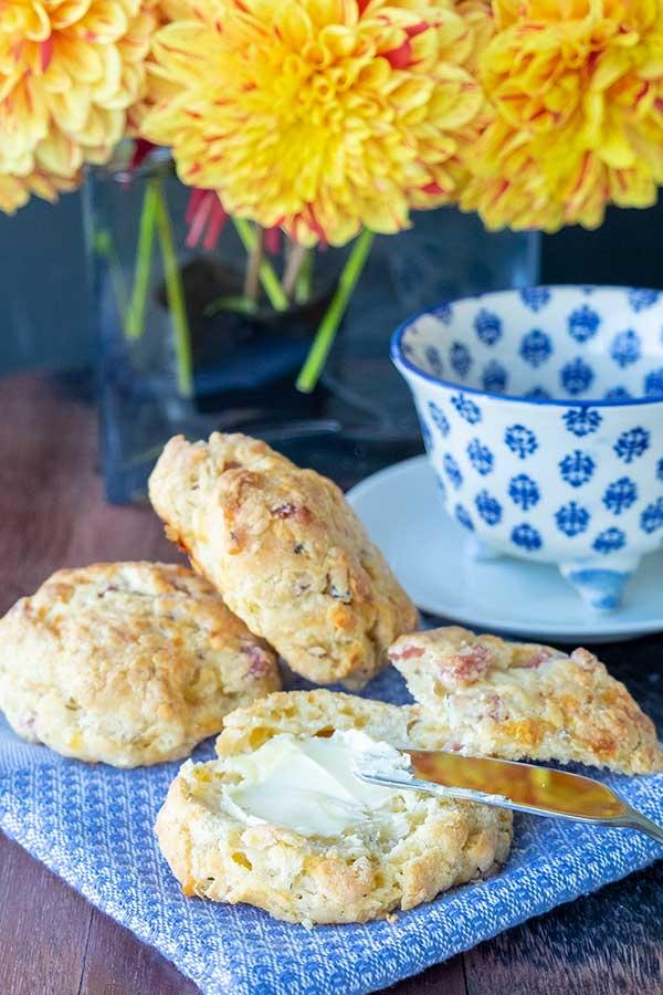gluten free ham and cheese biscuits |onlyglutenfreerecipes.com