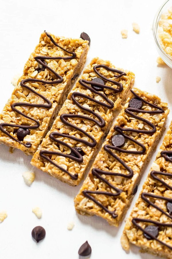 Healthy Granola bars with rice cereal and chocolate chips