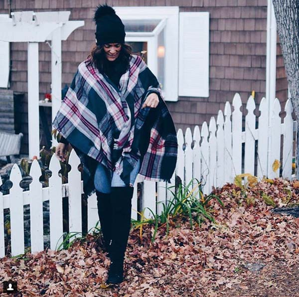 How to wear plaid at 40 | 40plusstyle.com