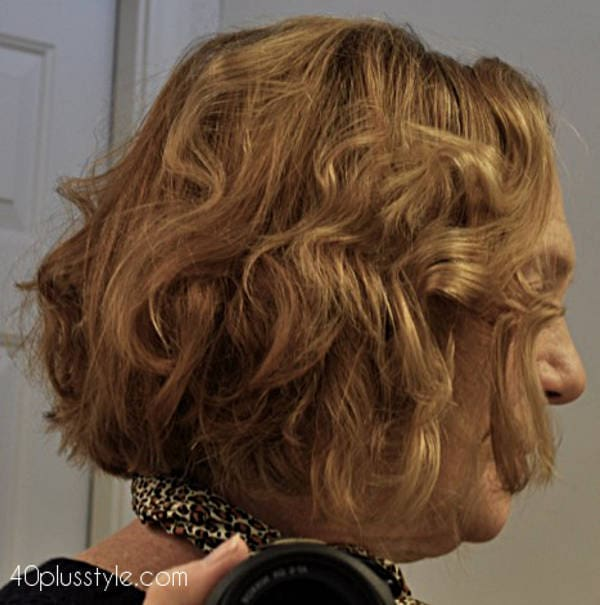 summer waves and a new haircut as Elaine transitions to gray hair | 40plusstyle.com