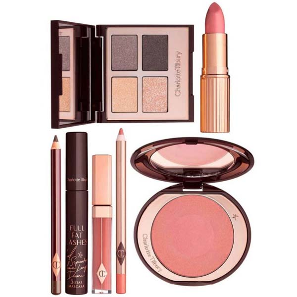 Make up sets as gifts for women | 40plusstyle.com
