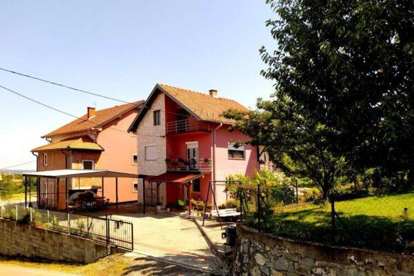 дом в Лознице, kuća u Loznici