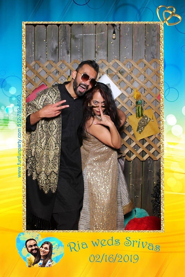 Mirror Me Photo Booth | Premium Mirror Photo Booth Rental in Austin TX | Fun Fun Party