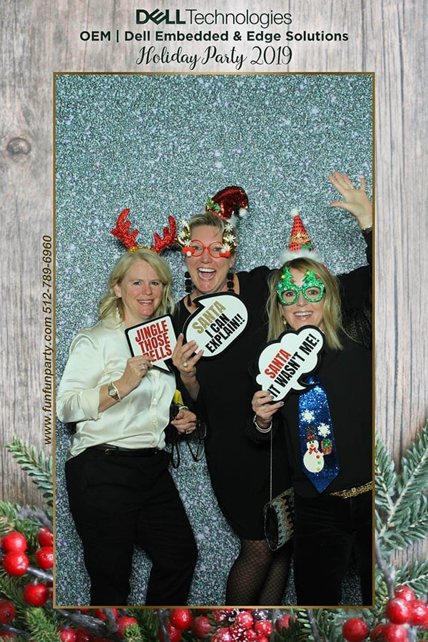 Mirror Photo Booth | Premium Mirror Photo Booth Rental in Pflugerville TX | Fun Fun Party