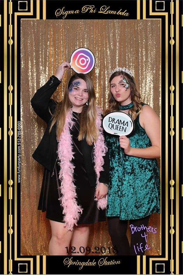Mirror Photo Booth | Premium Mirror Photo Booth Rental in Austin TX | Fun Fun Party