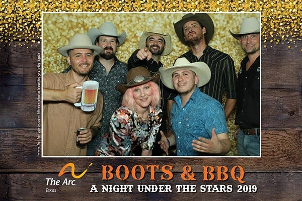 Mirror X Photo Booth | Premium Mirror Photo Booth Rental in Austin TX | Fun Fun Party